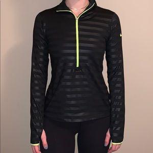 Nike 1/2 zip, striped